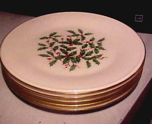"""5 Piece Vintage 8"""" Lenox Christmas Holiday Holly Berries Pattern Salad Plates"""