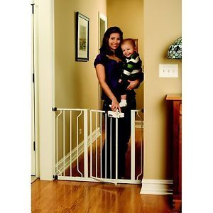 New Regalo White Easy Step Stair Walk Safety Security Gate Fence Baby Child Dog