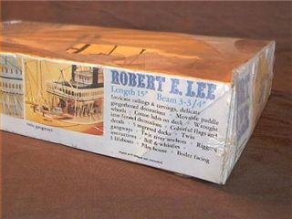 Revell Robert E Lee 1972 Steamboat SHIP Boat Vintage SEALED Model Kit NRFP NR