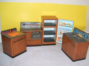 "Wolverine "" Sunny Suzy"" Metal Toy Kitchen Appliance Set 1' 1 5' T Vintage '60s"