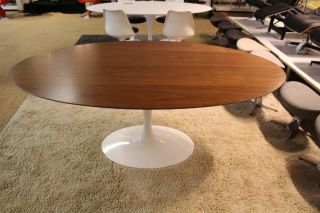 Knoll Saarinen Oval Side Table - Saarinen oval dining table 78
