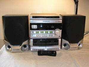 Philips Magnavox FW320C Compact Stereo System w Speakers 3 CD Radio Tape Remote