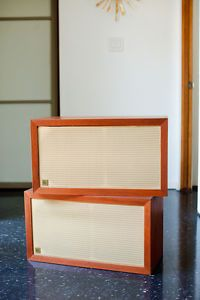 Acoustic Research AR 3 Speakers Great Condition