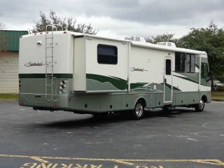 2002 Southwind 37U 2 Slides Open Floor Plan 2 Sofas Washer Dryer New Tires