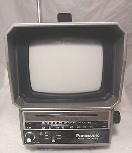 Panasonic Portable TV 5 inch Screen Am FM Radio Model TR 5046P 1984