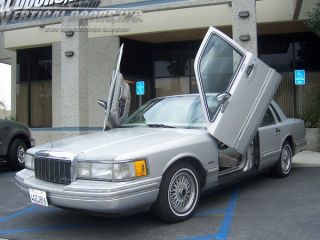 Lincoln Town Car 90 97 4DR Vertical Doors Inc Lambo Door Kit VDI Bolt On