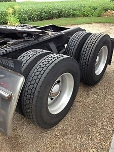 Semi Truck Tires 22 5 Low Pro