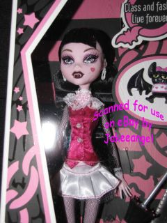 Monster High Doll Draculaura Daughter of Dracula Pink Pet Diary First Wave