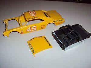 AMT 1966 1967 Buick Modified Stocker Dirt Car Race Car Plastic Model Kit Parts