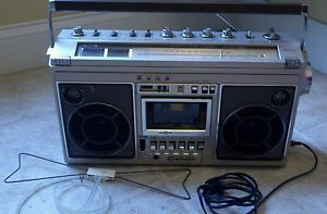 Vintage 80s Pioneer SK31 Boombox Stereo Radio Cassette Tape Recorder Player