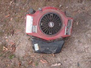 Briggs and Stratton 19 H P I C Platinum Turbo Cooled Engine Model 42E707