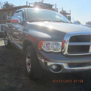 02 03 04 05 Dodge RAM 1500 Pickup Front Bumper Assy
