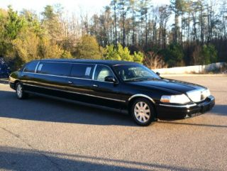 "2004 Lincoln Town Car 120"" Limousine Low Miles 1 Owner 5th Door Clean"