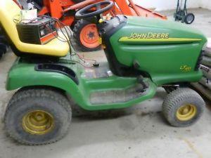 John Deere Lawn Tractor LT160