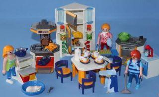 Playmobil figures house on popscreen for Playmobil modern house 7337