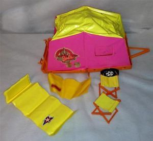 1973 Barbie Going Camping Pop Up camper Tent Trailer Vintage Sleeping Bag Stools