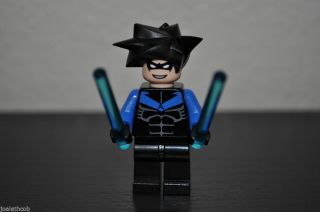 Lego Nightwing Minifigure w Black Motorcycle Weapons Only 7785 Arkham Asylum 673419083393