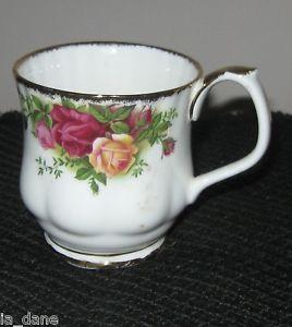 Royal Albert Old Country Roses English Bone China 1962 Mug Coffee Tea Set