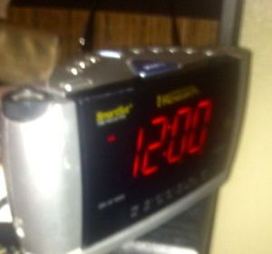 Smartset Emerson Research Alarm Clock Radio