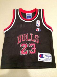 Champion Chicago Bulls Michael Jordan 23 NBA Jersey Tank 2T NBA Logo Man Patch
