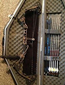 """Mathews LX 60 28"""" with SKB Case and Accessories Archery Bow"""