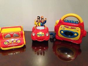 The Wiggles TOOT TOOT Musical Big Red Car Cassette Player Accordion Lot