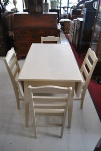 Solid Wood Painted Drop Leaf Kitchen Table with 4 Chairs
