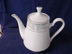 Crown Ming China Dinnerware Fine China Japan Floral Tea Pot
