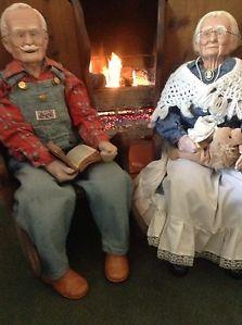 Vintage Large Grandma Grandpa Porcelain Dolls w Rocking Chairs 1989 Mint