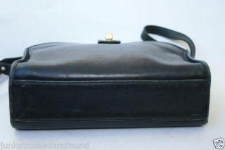A405 Vtg Retro Laura USA Women's Dark Blue Navy Leather Purse Hand Shoulder Bag