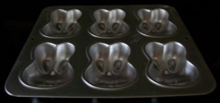 "Wilton 1991 Easter Bunny Rabbit 6"" Mini Cake Pan or Jello Mold 2105 4426"