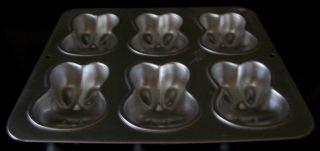 """Wilton 1991 Easter Bunny Rabbit 6"""" Mini Cake Pan or Jello Mold 2105 4426"""