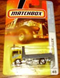 Matchbox City Action Hiway Hauler Flatbed Wrecker Tow