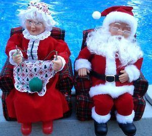 Set Christmas Mr Mrs Santa Claus in Armachair Sound Animated Figures Gemmy