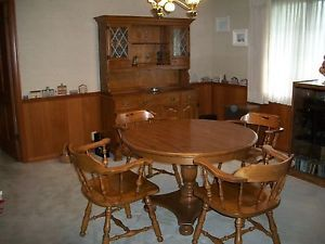 Ethan Allen Dining Room Table 4 Chairs With Stunning Hutch Fine Condition