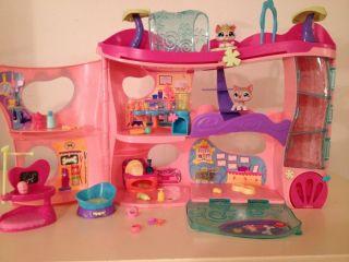 Littlest Pet Shop LPS Cozy Care Adoption Center 1012 1013 Complete Original Set