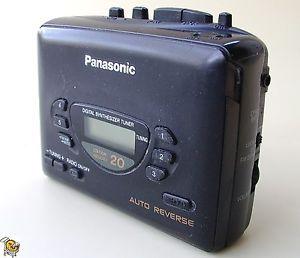 Vintage Walkman Panasonic RQ V186 Cassette Player Radio w Belt Clip