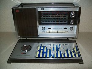 Vintage Ross Electronics re 8000 Multi Band Solid State Portable Radio