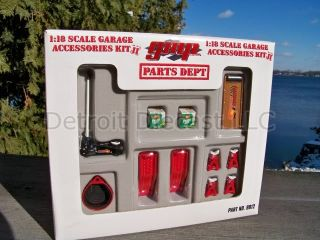 1 18 GMP 21 Piece Garage Mechanic Accessory Shop Tool Diorama Set