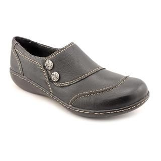 Clarks Women's 'Ashland Alpine' Black Leather Casual Shoes Clarks Loafers