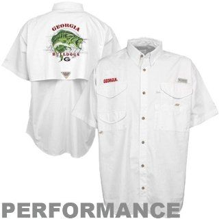 Columbia Georgia Bulldogs Bass Graphic Bonehead Button Up Performance Fishing Shirt   White : Sports & Outdoors