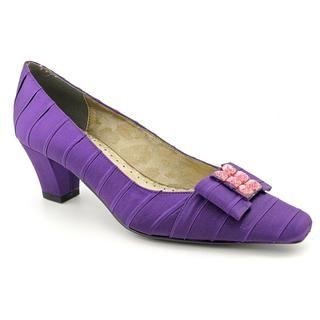 J Renee Women's 'Felicity' Fabric Dress Shoes   Extra Wide Heels