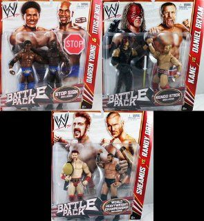 WWE BATTLE PACKS 21   COMPLETE SET OF 3 WWE TOY WRESTLING ACTION FIGURE 2 PACKS: Toys & Games