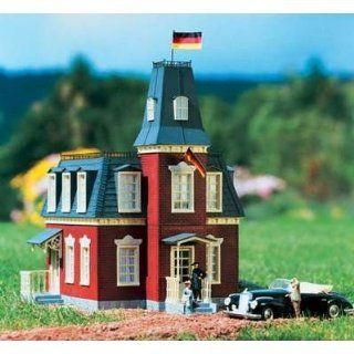 PIKO G SCALE MODEL TRAIN BUILDINGS   GERMAN EMBASSY   62054 Toys & Games