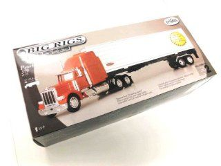 "Testors 1:32 Scale ""Big Rigs"" Tractor Trailer Series Peterbilt 379: Toys & Games"